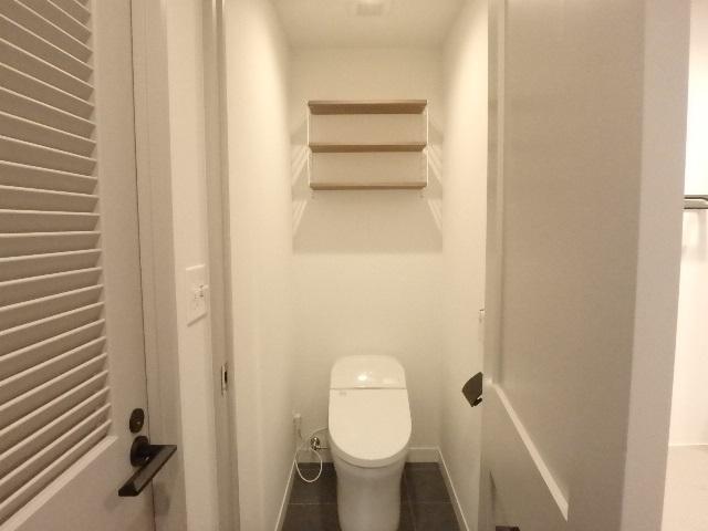 マンションリフォーム トイレ 棚 ストリング 横浜